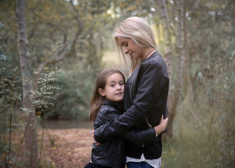 SESION FOTOGRAFICA FAMILIAR EXTERIOR EN MANRESA BARCELONA